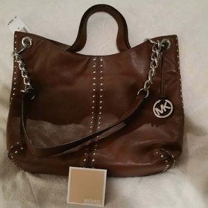 5a92652e9e03 Women s Michael Kors Astor Handbag on Poshmark
